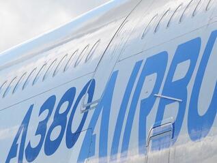 """""""Еърбъс"""" подписа сделка за доставка на 65 самолети за 7,5 млрд. долара"""