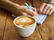 Индексът на капучиното, или вярно ли е, че ЕС струва по-малко от чаша кафе на ден