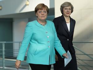 Британският премиер Тереза Мей ще проведе решаващи разговори с канцлера