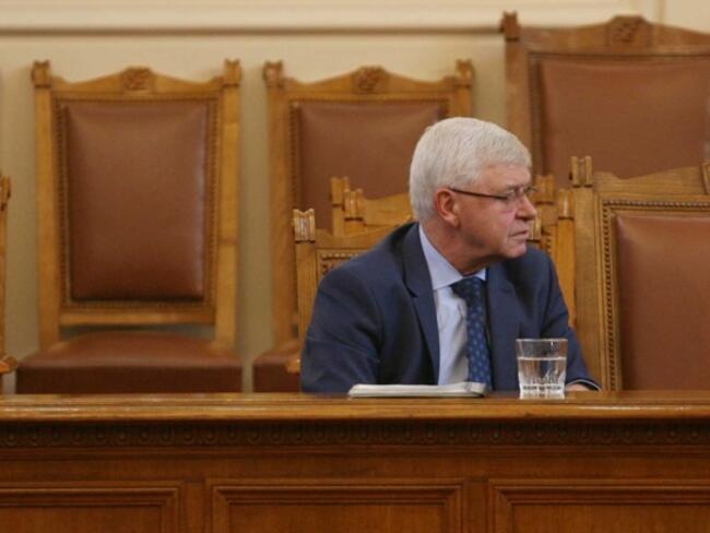 Ананиев поиска съсловните организации и синдикатите да участват в изработването на здравноосигурителните модели