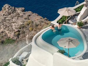 Санторини и Миконос са най-скъпите средиземноморски дестинации