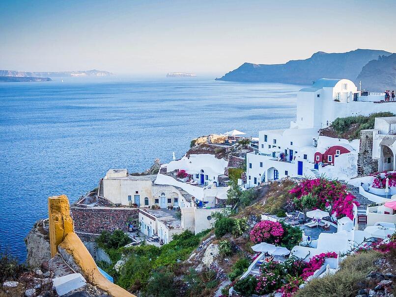 Гърците не могат да си позволят почивка в … Гърция