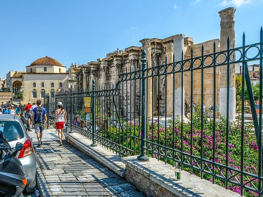 Всеки трети турист в Гърция пристига с кола