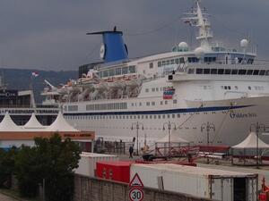 Очертава се поредна слаба година за круизи по българското Черноморие