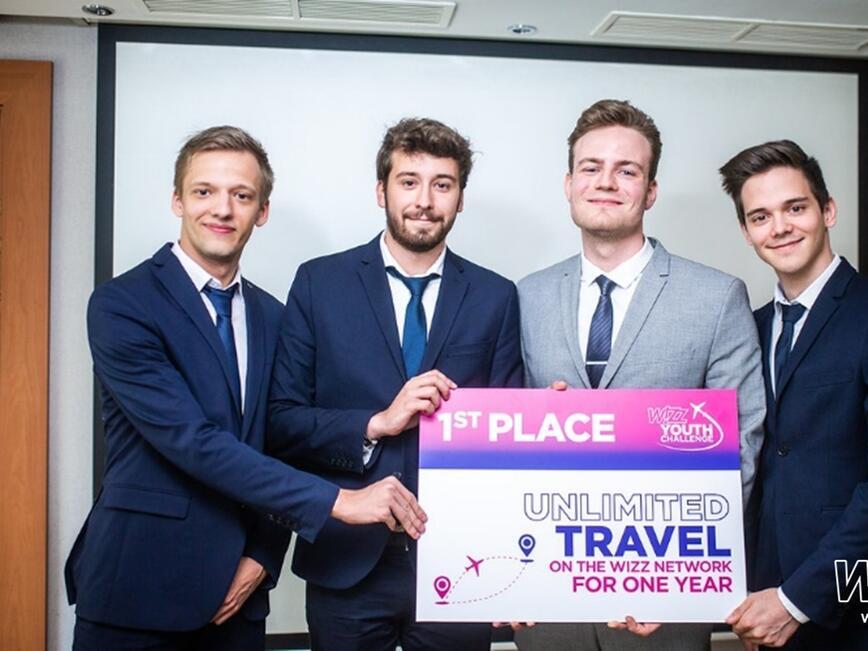 Екип от унгарски студенти спечели една година неограничени пътувания из цялата мрежа на Wizz Air