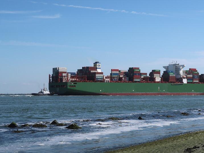 Германският бизнес призова ЕС да води самостоятелна търговска политика