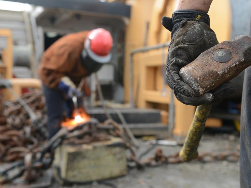 Ръстът на индустриалното производство в САЩ се забавя през юли