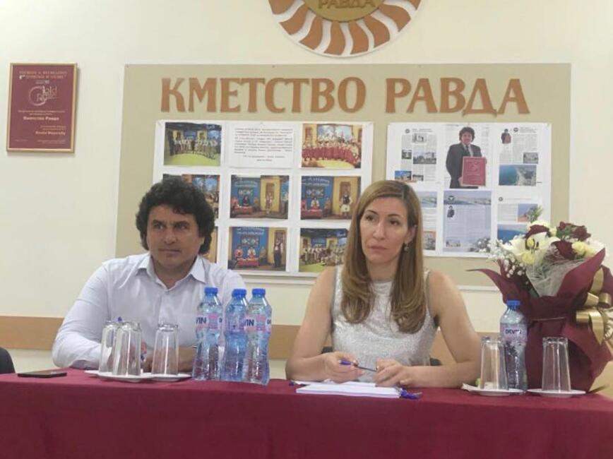 Министър Ангелкова: Подготвяме промени в наредбата за категоризация на местата за настаняване