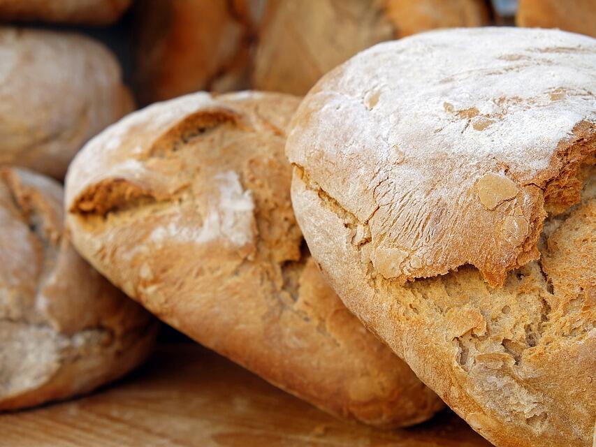 Горивата и дъждовете вдигат цената на хляба