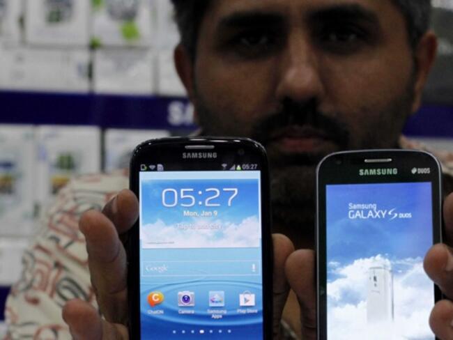 Най-големият завод за мобилни телефони е открит в Индия