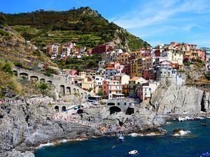 Навсякъде в Средиземно море туристическият бум застрашава ценните крайбрежни екосистеми.