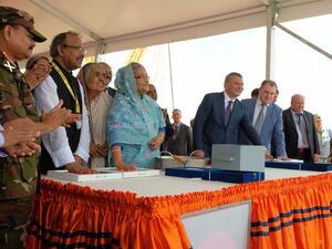 Премиерът на Бангладеш Шейх Хасина, вицепремиерът на Русия по въпросите