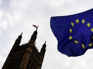 Британският премиер Тереза Мей получи одобрение в Камарата на общините