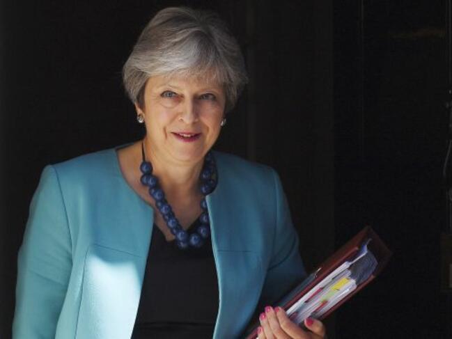 Съпартийци на Тереза Мей могат да поискат оставката й