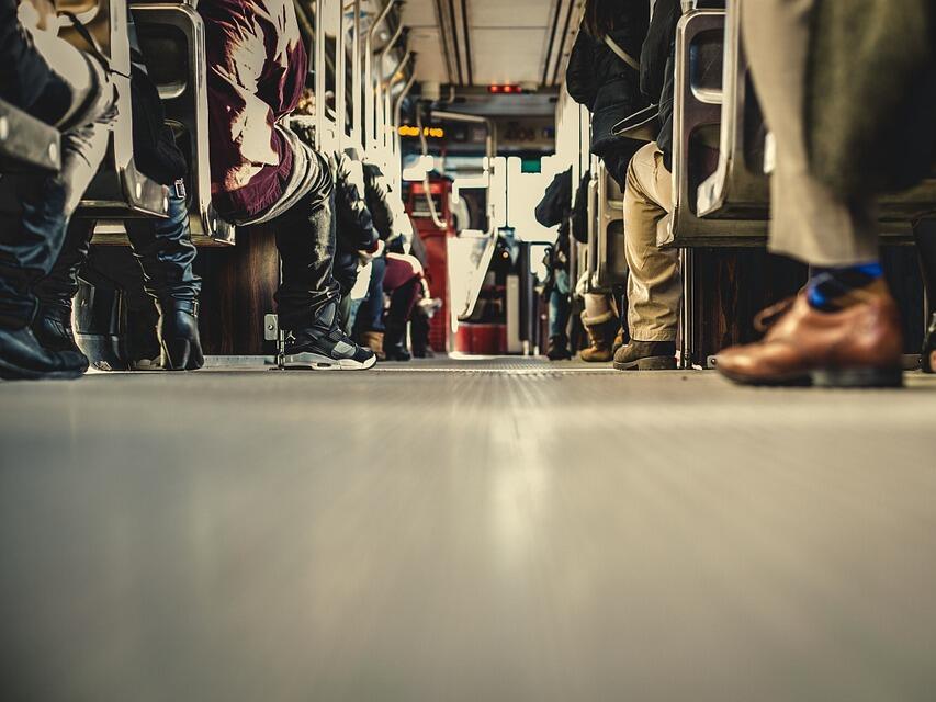 Коланите в автобусите стават задължителни, 50 лв. ще е глобата за пътници