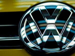 """Германският автомобилен гигант """"Фолксваген"""" реши да се съобрази с натиска"""