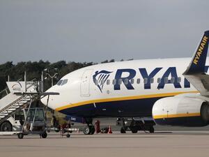 Ryanair отмени 64 полета до и от Испания