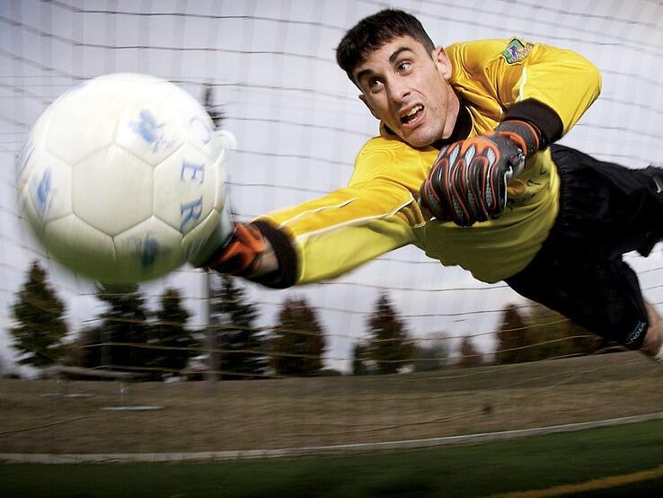 Във Великобритания разследват десетки футболисти за данъчни злоупотреби