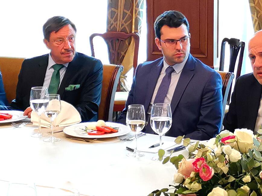 Вицепремиерът Дончев се срещна с Почетните консули в България