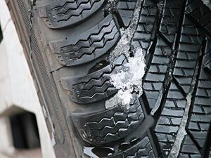 КЗП съветва да не се купуват зимни гуми втора ръка през социалните мрежи