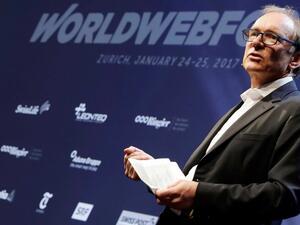 Създателят на интернет предсказа края на Фейсбук и Гугъл