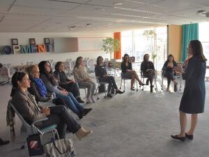 УниКредит Булбанк организира специалнa обучителна академия за майки . Целта