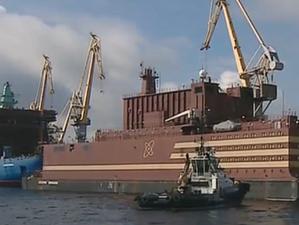 """Първият реактор на плаващата АЕЦ """"Академик Ломоносов"""" достигна 10% енергийна мощност"""