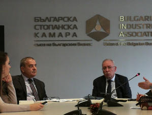 """Българската стопанска камара ще представи годишната си анкета """"2018 през"""
