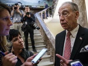 Председателят на Финансовата комисия на Сената на САЩ - Чък