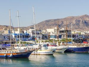 Снимка: Гърция пуска търгове за яхтените пристанища в Миконос и Родос