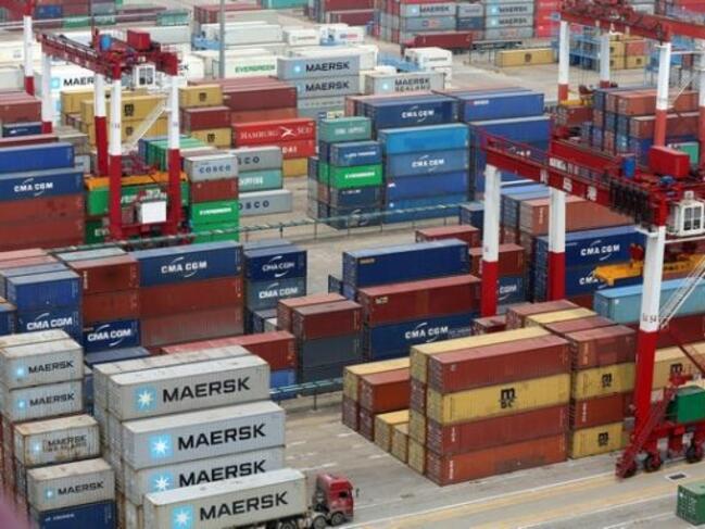 Китайският износ се срива с над 20 на сто през февруари