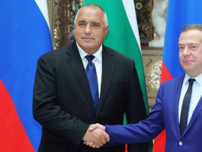 Премиерите на Русия и България ще обсъждат сътрудничеството в енергетиката и туризма идната седмица
