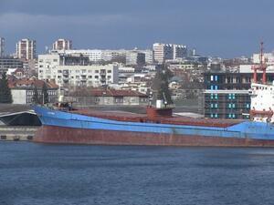 """Компания от Либерия е новият собственик на танкера """"Бдин"""""""