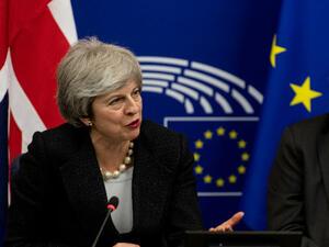 Тереза Мей спечели гаранции за Брекзит от ЕС преди ключовия вот в парламента