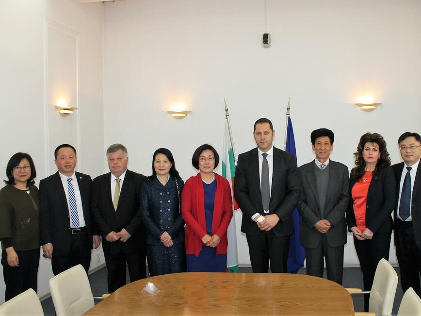 Китайска бизнес делегация проучва възможностите за инвестиции и търговия в България