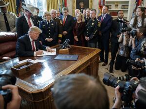 Тръмп с първо президентско вето