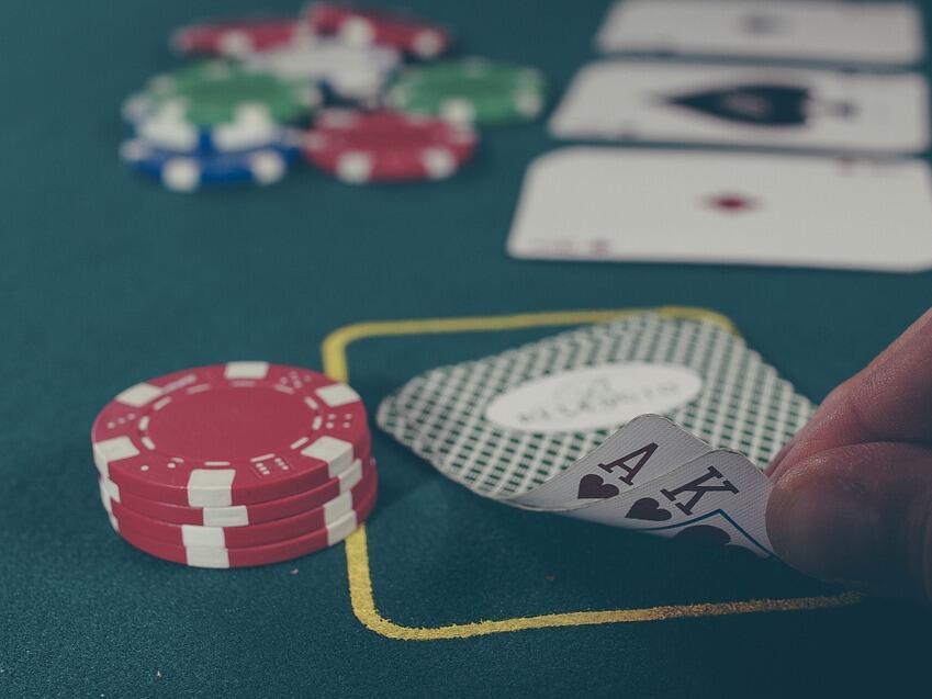 Китаец продаде дъщеря си заради дългове от хазарт