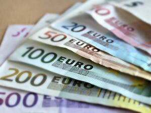 ЕК препоръча деблокирането на транш от близо 1 млрд. евро за Гърция