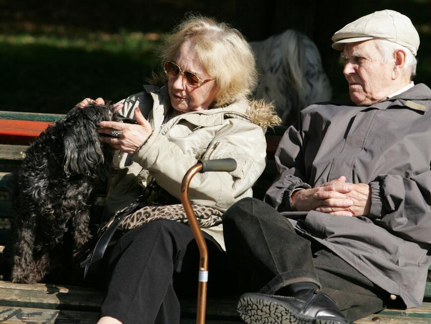 НОИ започва изплащането на пенсиите с добавката за Великден