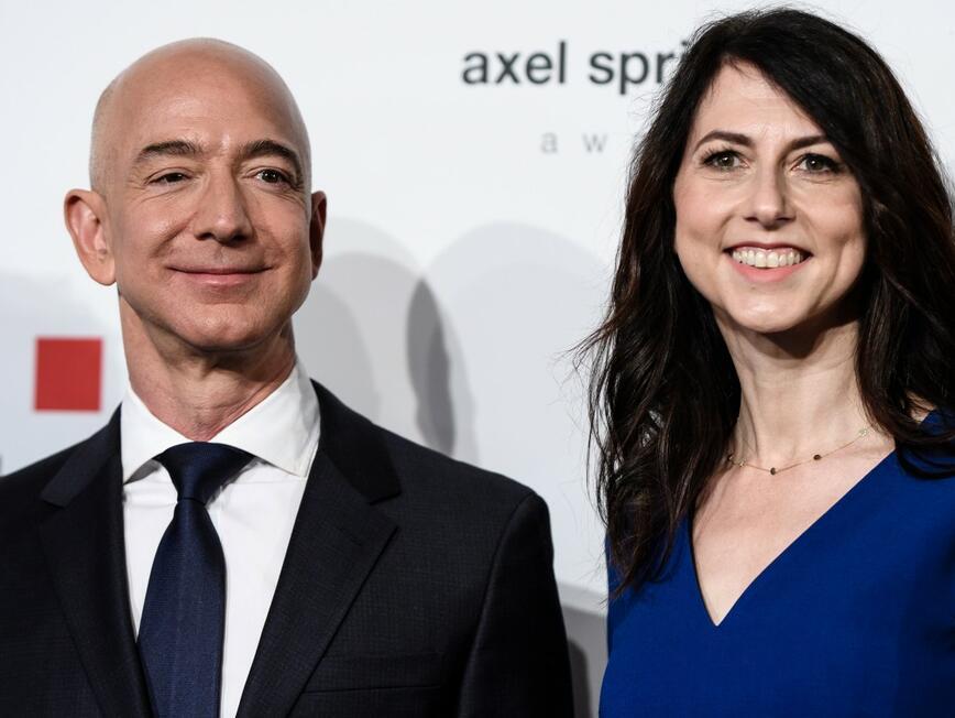След развода на най-богата двойка в света, създателят на Амазон запазва 75% от акциите