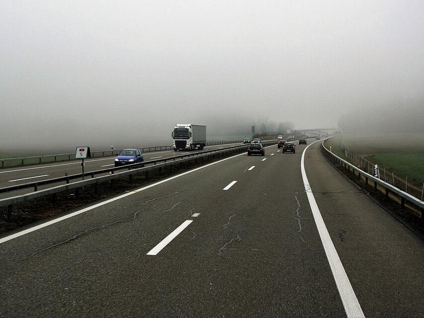 Около 24 май спират движението на камионите над 12 т по автомагистралите