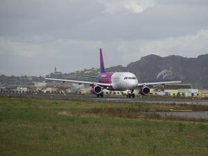 Днес Wizz Air, най-голямата нискотарифна авиокомпания в Централна и Източна
