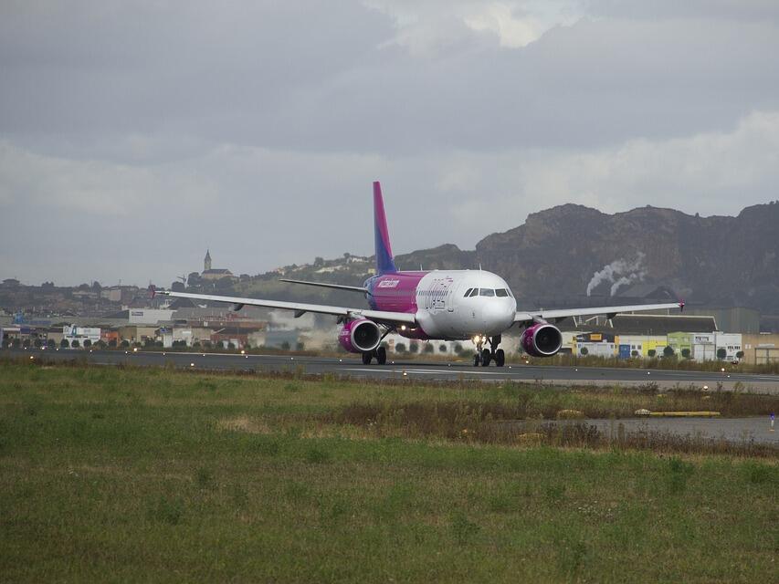 Wizz Air мести всичките си полети до израелския град Ейлат на новото летище Рамон