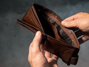 Снимка: Експерт: Няма риск от измами с бързи кредити вследствие на теча на данни от НАП