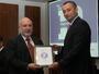 <p>Изпълнителният директор на Корпоративна търговска банка Илиан Зафиров и министърът на външните работи Николай Младенов</p>