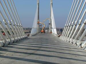 Пускат в експлоатация Дунав мост II през май 2013 г.