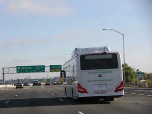 Китайска компания, в която Уорън Бъфет има акции, ще прави електрически коли и автобуси у нас