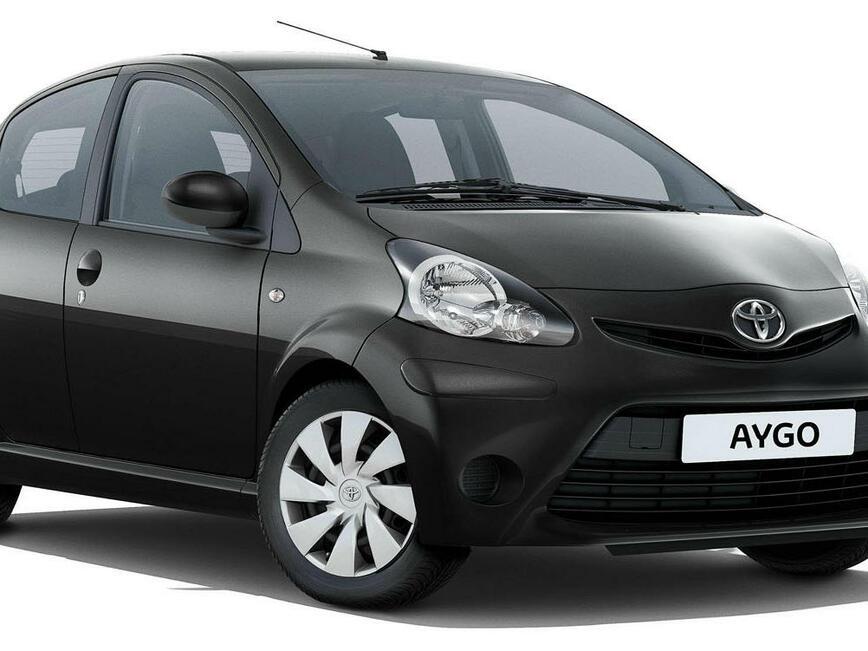 """Toyota с първия си """"външен"""" директор"""