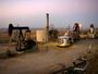 Цената на лекия суров петрол се спусна надолу