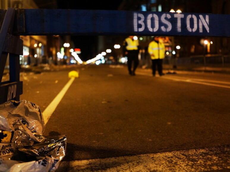 Социалните мрежи вкарват ред в хаоса в Бостън